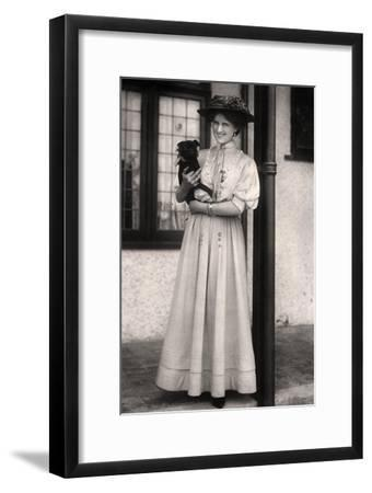Zena Dare (1887-197), English Actress, Early 20th Century-Foulsham and Banfield-Framed Giclee Print