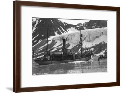 Whaling, Magdalene Bay, Spitzbergen, Norway, 1929--Framed Giclee Print