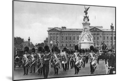 Guards in the Mall, London, Early 20th Century--Mounted Giclee Print