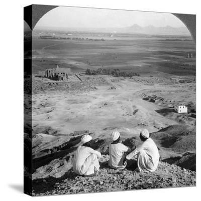 Across the Plain of Thebes and Past the Memnon Statues from the Cliffs, Egypt, 1905-Underwood & Underwood-Stretched Canvas Print
