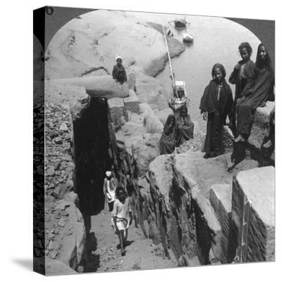 The Nilometer (Measurer of Inundation) at the First Cataract, Egypt, 1905-Underwood & Underwood-Stretched Canvas Print