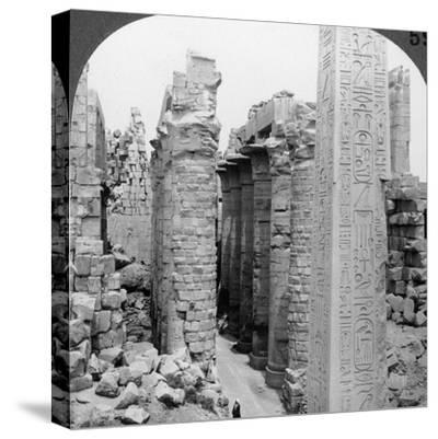 Middle Aisle of the Great Hall and Obelisk of Thutmosis I, Temple at Karnak, Thebes, Egypt, 1905-Underwood & Underwood-Stretched Canvas Print