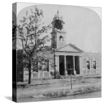 The Town Hall, Struck by a Boer Shell During the Siege, Ladysmith, South Africa, 1901-Underwood & Underwood-Stretched Canvas Print