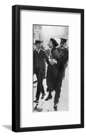 Mrs Pankhurst, Arrested Outside Buckingham Palace, London, 1914--Framed Giclee Print