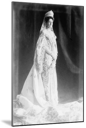 Tsarina Alexandra of Russia, Early 20th Century--Mounted Giclee Print