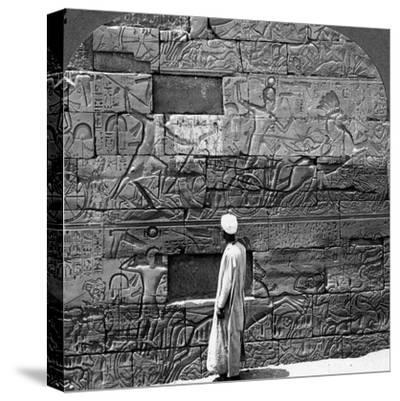 Great War Reliefs Sculptured in the Wall at Karnak Temple, Thebes, Egypt, 1905-Underwood & Underwood-Stretched Canvas Print