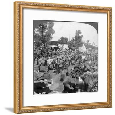Arrival of General Cronje at Modder River as a Prisoner of War, South Africa, Boer War, 1901-Underwood & Underwood-Framed Giclee Print
