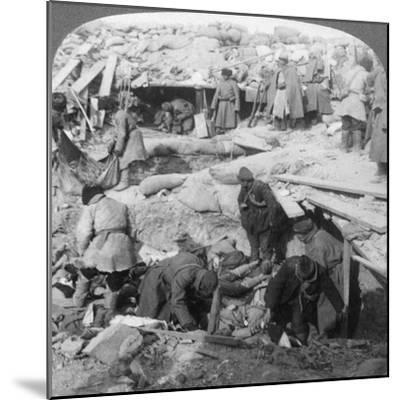 Russians Burying Japanese Dead Inside a Fort, Port Arthur, Manchuria, Russo-Japanese War, 1905-Underwood & Underwood-Mounted Giclee Print