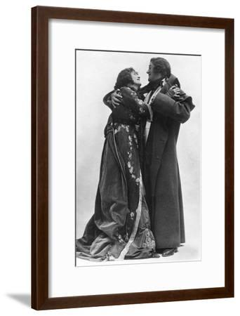 Julia Neilson and Fred Terry in the Scarlet Pimpernel, C1905- Ellis & Walery-Framed Giclee Print