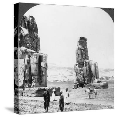 Colossal 'Memnon' Statues at Thebes, Egypt, 1905-Underwood & Underwood-Stretched Canvas Print