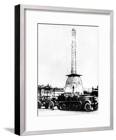 German Artillery Driving Through the Place De La Concorde, Paris, 1940--Framed Giclee Print