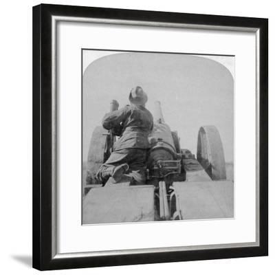 Training One of HMS Monarch's 4.7 Inch Guns on the Pretoria Forts, South Africa, 4th June 1900-Underwood & Underwood-Framed Giclee Print