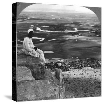 View from the Summit of the Great Pyramid, Giza, Egypt, 1905-Underwood & Underwood-Stretched Canvas Print