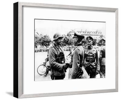 German Victory Parade after the Capture of Paris, June 1940--Framed Giclee Print
