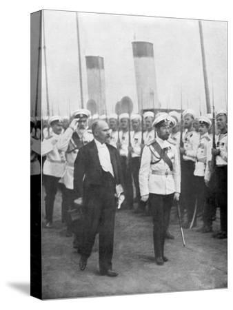 Tsar Nicholas II with French President Raymond Poincare, 1914--Stretched Canvas Print