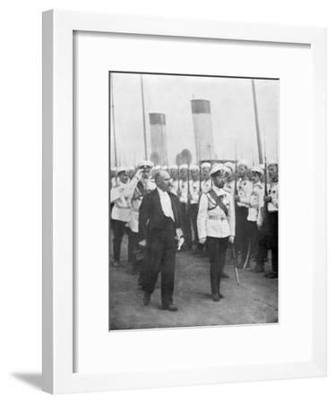 Tsar Nicholas II with French President Raymond Poincare, 1914--Framed Giclee Print