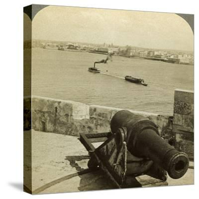 Cannon, Morro Castle, Havana, Cuba-Underwood & Underwood-Stretched Canvas Print