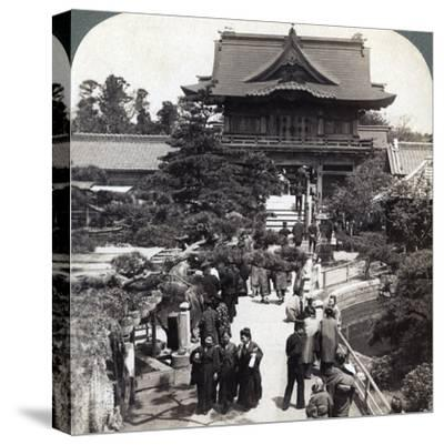 Main Gateway to Kameido Temple, Tokyo, Japan, 1904-Underwood & Underwood-Stretched Canvas Print