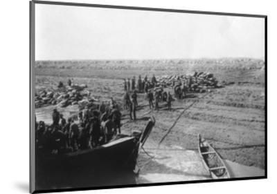 British Troops Unloading Dates on the Shore of the Tigris River, 1918--Mounted Giclee Print