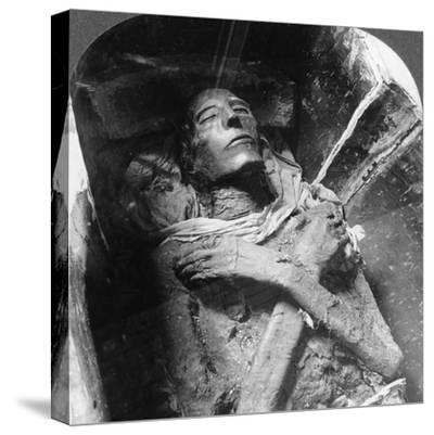 The Mummy of Sethos I (1394Bc-1279B), Cairo, Egypt, 1905-Underwood & Underwood-Stretched Canvas Print