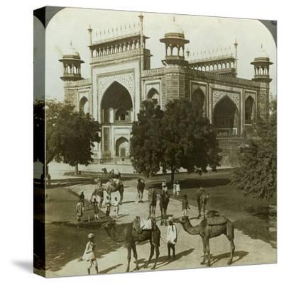 Tomb of Akbar, Sikandarah, Uttar Pradesh, India, C1900s-Underwood & Underwood-Stretched Canvas Print