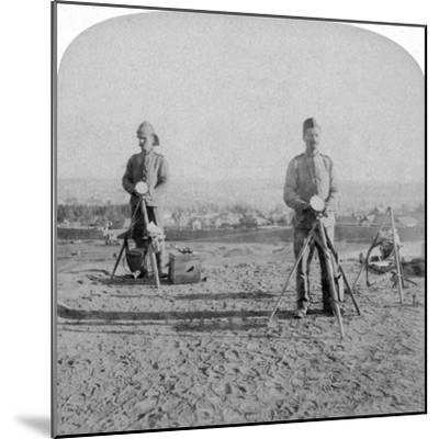 British Heliographing from the Johannesburg Fort the News of the Occupation, Boer War, 1900-Underwood & Underwood-Mounted Giclee Print