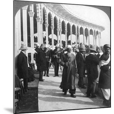 Gathering at the Great Durbar Amphitheatre, Delhi, India, 1903-Underwood & Underwood-Mounted Giclee Print