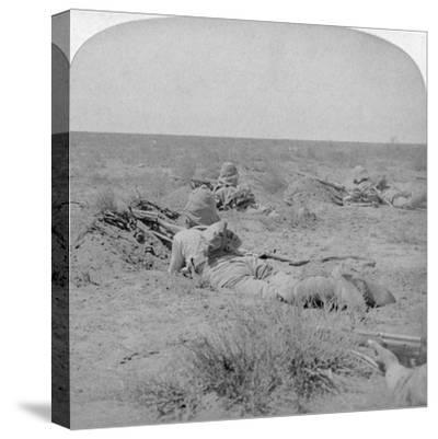 On the Fighting Line with the Queen's Bravest, Modder River, South Africa, 1900-Underwood & Underwood-Stretched Canvas Print