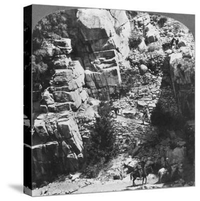Climbing the Steep Zig-Zag Trail at the Eastern End of Yosemite Valley, California, USA, 1902-Underwood & Underwood-Stretched Canvas Print