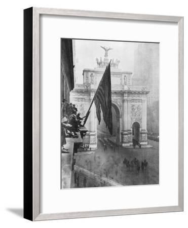 Us 1st Army Passing Through the Victory Arch, Madison Square, New York, USA, 10 September 1919--Framed Giclee Print