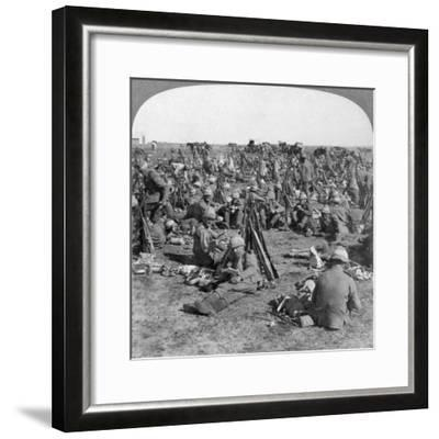 The Coldstream Company on the Great Transvaal Campaign, South Africa, Boer War, 1900-Underwood & Underwood-Framed Giclee Print