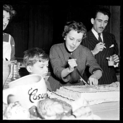 Jeanne Moreau Slicing a Cake-DR-Framed Photographic Print