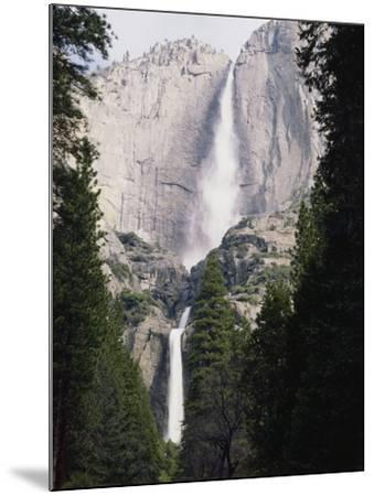 California, Sierra Nevada Mts, Yosemite National Park, Yosemite Falls-Christopher Talbot Frank-Mounted Photographic Print
