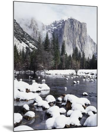 California, Sierra Nevada, Yosemite National Park, Snow on El Capitan-Christopher Talbot Frank-Mounted Photographic Print