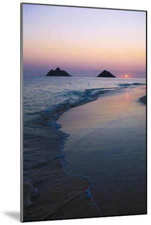 Hawaii, Oahu, Kailua, Lanikai, Sun Sinking Below Horizon on Beach-Design Pics Inc-Mounted Photographic Print