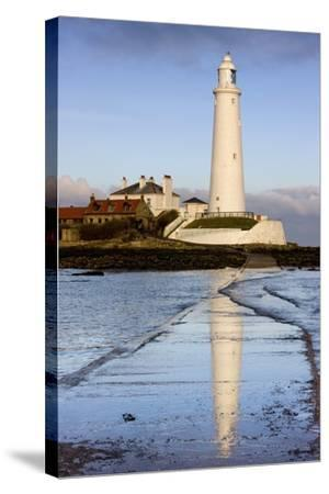Lighthouse; Whitley Bay, Northumberland, England-Design Pics Inc-Stretched Canvas Print