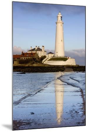 Lighthouse; Whitley Bay, Northumberland, England-Design Pics Inc-Mounted Photographic Print