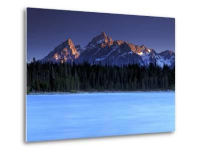 Jackson Lake and Tetons at Sunrise, Grand Teton National Park, Wyoming-Keith Ladzinski-Metal Print