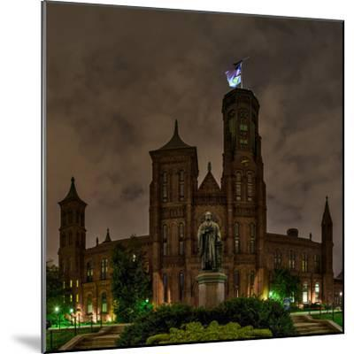 The Smithsonian Institution and Museum at Night-Babak Tafreshi-Mounted Photographic Print