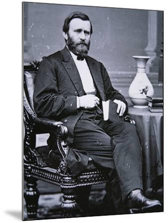 Ulysses Simpson Grant (1822-85)-Mathew Brady-Mounted Photographic Print