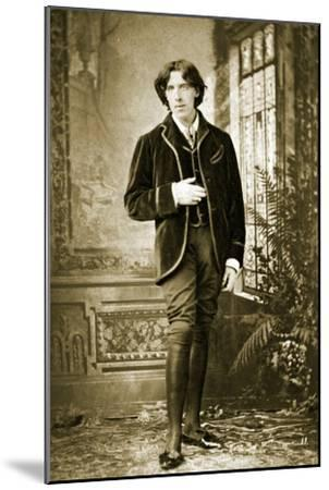 Portrait of Oscar Wilde C. 1882-Napoleon Sarony-Mounted Photographic Print