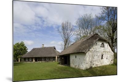 Houses with Thatched Roofs--Mounted Photographic Print