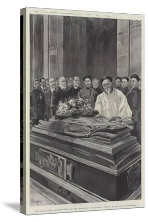 His Excellency Li-Hung-Chang at the Monument of General Gordon in St Paul's Cathedral--Stretched Canvas Print