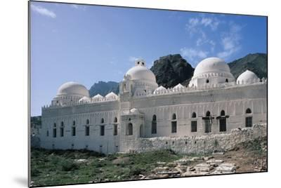 Al Ashrafiyya Mosque with Twin Minarets, 13th Century, Taiz, Taiz Governorate, Yemen--Mounted Photographic Print