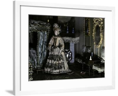 Dollhouse (1670-1690) from Petronella De La Court (1624-1707). Anonymous. Netherlands--Framed Photographic Print