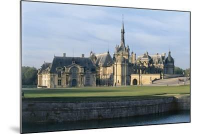 Facade of a Castle, Chateau De Chantilly, Picardy, France--Mounted Photographic Print