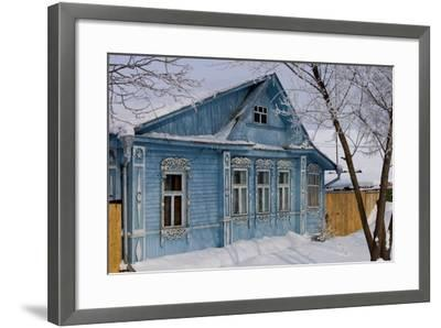 Traditional Wooden House, Suzdal, Golden Ring, Russia--Framed Photographic Print