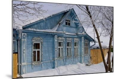 Traditional Wooden House, Suzdal, Golden Ring, Russia--Mounted Photographic Print