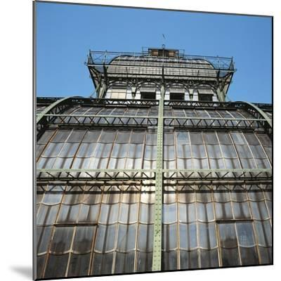 Low Angle View of a Palace, Schonbrunn Palace, Vienna, Austria--Mounted Photographic Print