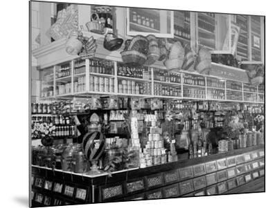 Edw. Neumann, Broadway Market, Detroit, Mich.--Mounted Photo